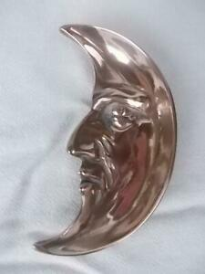 M777 / VINTAGE CAST BRASS TRINKET DISH IN THE FORM OF THE MOON WITH A FACE