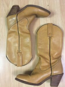Vintage Frye Western Boots 7102 Made In USA Women's 6.5 AA