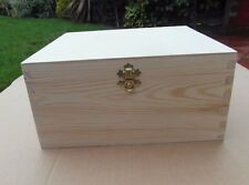 LARGE WOODEN BOX WITH LID & DECORATIVE CLASP STORAGE FOR ART CRAFT / DECOUPAGE