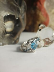 GENUINE / SOLID 375 WHITE GOLD - LADIES NATURAL TOPAZ & DIAMOND DRESS RING