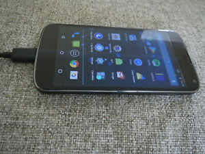 Nexus 4 E960 - 8GB - Black (Unlocked) Smartphone