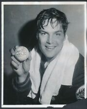 "1971 Tom Seaver, ""Poses with Trophy Ball"" from 20 Win Season Vintage Photo"