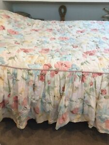 Vintage Crowson Monmatre Fabric Quilted Bed Spread Blanket Frill Country Double