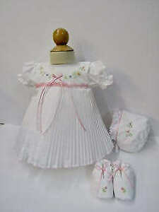 Will'beth Newborn Baby Girl Fancy Pleated Dress Bonnet Booties NWT Take-Me-Home