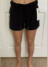 Lululemon Size 4 On The Fly Short 2.5 Woven Black BLK Speed Tracker Pace Travel