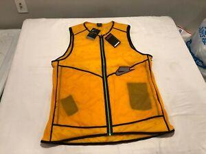 NWT $120.00 Nike Mens Aerolayer Wild Run insulated Running Vest Yellow Size XLT