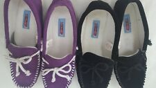 2 Pair Moon Beam Womens Suede Leather Moccasins Slip on Shoes Size 9W Black Purp