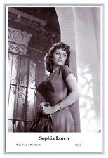 Sophia Loren (C) Swiftsure Postcard year 2000 modern print 20/1 glamour photo