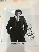 JOHNNY MATHIS 1981 AUTOGRAPH AUTOGRAPHED SIGNED 8 x 10 PHOTO
