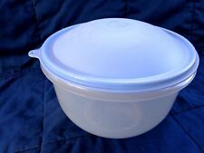 Vintage TUPPERWARE Large  Lettuce Crisp-it /bowl with Blue domed seal