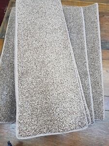 8.5	x	24	inches	(	22	x	61	cm) 12x STAIR PADS /TREADS BEIGE FLECK THICK PILE #350