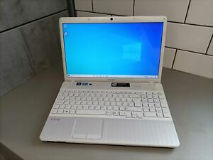 "Sony VPCEH2H1E 15.6"" laptop - i3-2330M / 4GB RAM / 500GB HDD / Windows 10"
