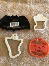4 Plastic Halloween Cookie Cutters - Wilton.