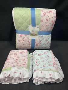 Simply Shabby Chic King Quilt Set Floral Rosebuds 3 Pc Polyester Ruffle Edge NWT