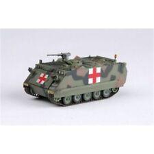 Véhicules militaires miniatures blancs