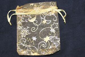 20 X  CHRISTMAS TREE STAR & SNOWFLAKE ORGANZA FAVOUR BAGS 7cm X 9cm