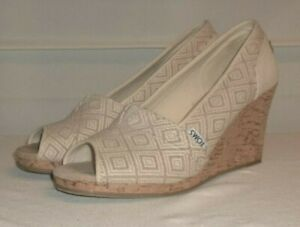 Toms Beige Tribal Canvas Casual Slip On Cork Wedge Shoes 8.5 EC!