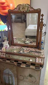 ceramic Mirror and Makeup Piece