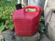 Blitz 2 Gallon 8 Oz Plastic Fuel Pre Ban Vented Gas Can 1994 Older Vintage 54