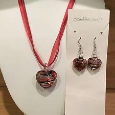 Pretty Red & Black Heart-shaped w/Rose Glass Lampwork Necklace & Earrings Set