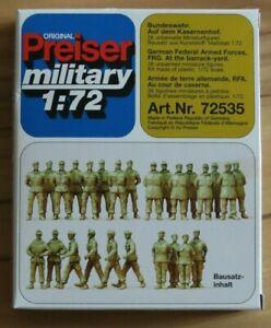 Preiser 72535 1:72 Military; Bundeswehr Soldaten a. Kasernenhof - 26 Stück