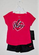 NWT & Flaw Nike Girls Fuchsia Pink & Black NIKE Heart Logo SS Short Set 5 6 6X