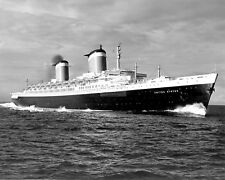 SS UNITED STATES LUXURY PASSENGER LINER - 8X10 PHOTO (FB-808)