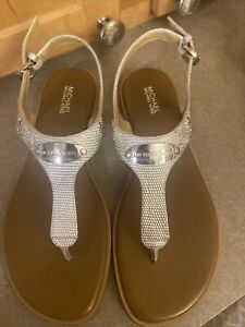 Michael Kors MK Plate SilverMetallic Leather thong sandals 8 M NIB
