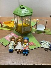 Holly Hobbie Gazebo w/ 3 dolls, swing, hammock
