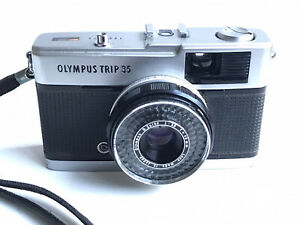 Compact argentique OLYMPUS TRIP 35 avec objectif ZUIKO 2.8 / 40mm Made in Japan