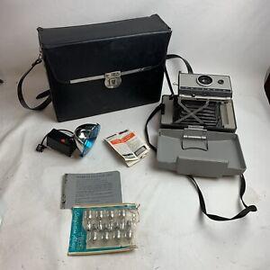 Vintage POLAROID AUTOMATIC 230 LAND CAMERA w/Case, Cold Clip, Etc.,