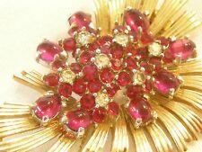 """"""" Boucher """" signed Vintage Fur Clip Brooch Glass Rhinestones Goldtone Magenta"""