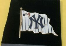 NY YANKEES MLB BASEBALL PINSTRIPE WAVING FLAG COLLECTOR PIN