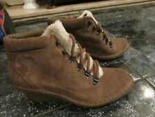 CLARKES ARTISAN LADIES BEIGE SUEDE LEATHER WEDGE ANKLE BOOTS SIZE 5D WORN