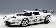 1:18 AutoArt Ford GT L. M. Race Car spec.ii 2005 #4 FREE Display Cabinet