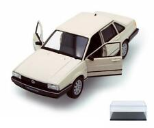DIECAST CAR & DISPLAY CASE VOLKSWAGEN SANTANA IVORY WELLY 24036 1/24 SCALE