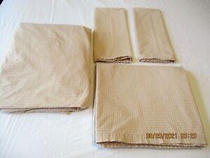 Calvin Klein Khaki Collection -Geranium Queen Set Flat & Fitted & 2 Pillow Cases