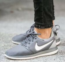 NIKE ROSHE TWO (GS) RUNNING SHOES BOYS GIRLS SIZE 6Y NEW COOL GRAY 844653-004