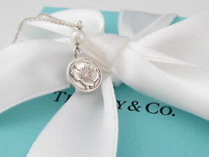 Authentic Rare Tiffany & Co Silver Pearl Nature Rose Necklace