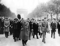 OLD PHOTO Winston Churchill And The General De Gaulle