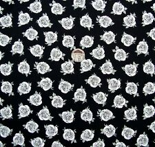 Piccole rose bianche in tessuto nero 92 CM x 112 cm Fabric Freedom F681 col 6