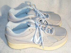 Women's Tennis Shoes by New Balance Walking 877- Worn a Couple of Times- Sz 6 2E