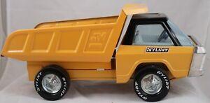 VINTAGE NYLINT MODEL 400 YELLOW DUMP TRUCK W BLACK CAB TOP 1970'S