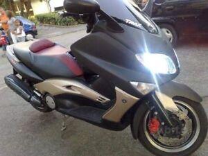KIT FULL LED MOTO H7 + H4 BI-LED x YAMAHA TMAX T-MAX ABBAGLIANTE + ANABBAGLIANTE