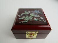 Shin Do Lacquer Ware Co. Red Trinket Box Mother of Pearl Inlay Turtle Closure