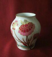 Hutschenreuther - Minivase, Vase H. 9 cm., Blumen, Gold dekoriert