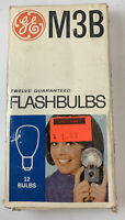 Vintage NOS GE / M3B Blue / Flash bulbs / 12 Flashbulbs