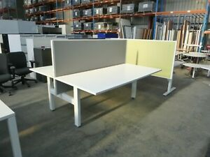 2 Seat(Back to Back) Workstation/Desks w/ Partition/Privacy Screen