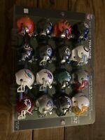 NFL 32 Piece Tracker Set Riddell Pocket Pro Gumball Size Football Helmet - 2020