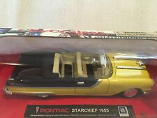 New -New Ray City Cruiser Collection DieCast 1955 Pontiac Starcheif 1:43